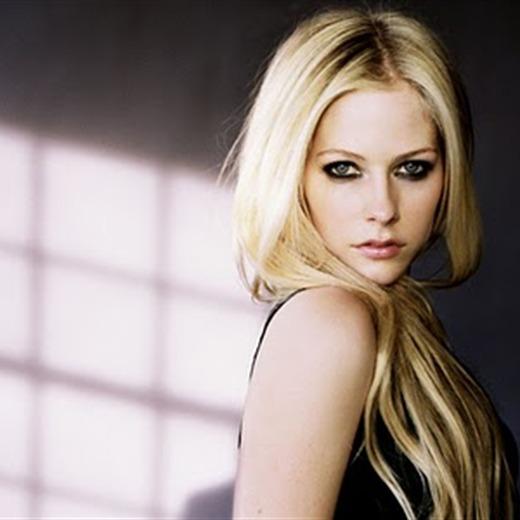 'Wish You Were Here' tercer sencillo de Avril Lavigne