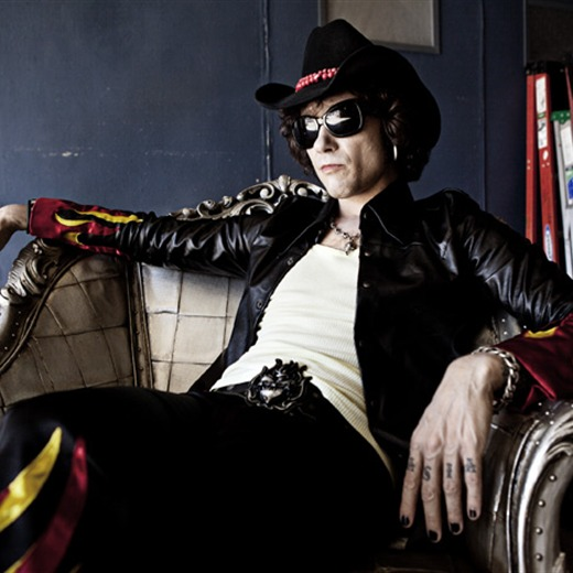 Enrique Bunbury llevará su música a Acapulco en septiembre