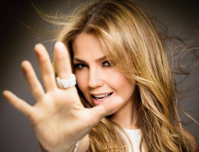 Disco de Thalía el mejor del 2014