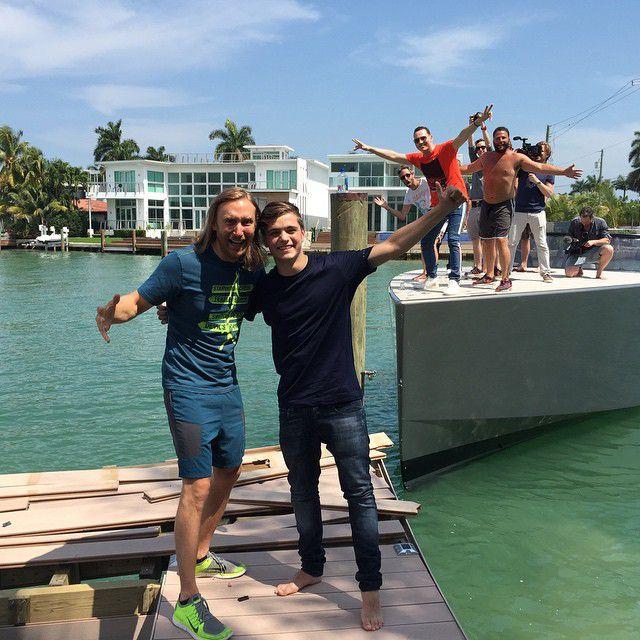 Martin Garrix y Tiesto estrellan su barco en el muelle de David Guetta