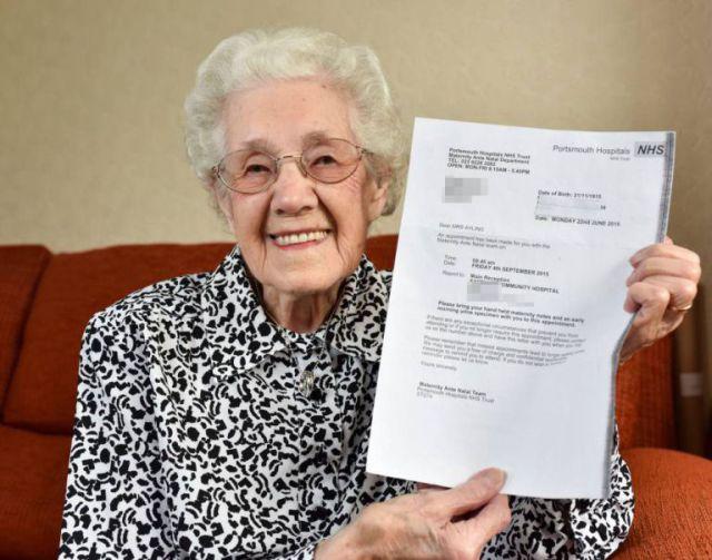 Test de embarazo positivo para abuela de 99 años