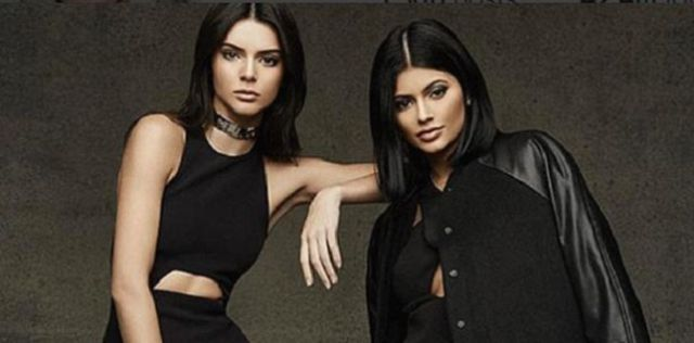 ¿Beso entre hermanas? Kendall y Kylie Jenner lo hacen