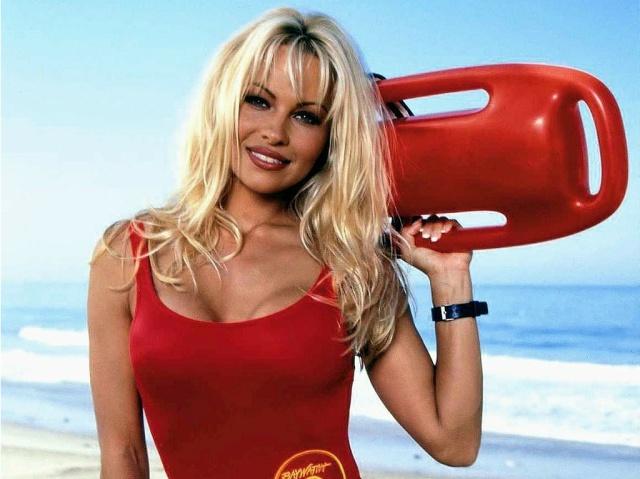 Pamela Anderson actuará en la película de Guardianes de la Bahía