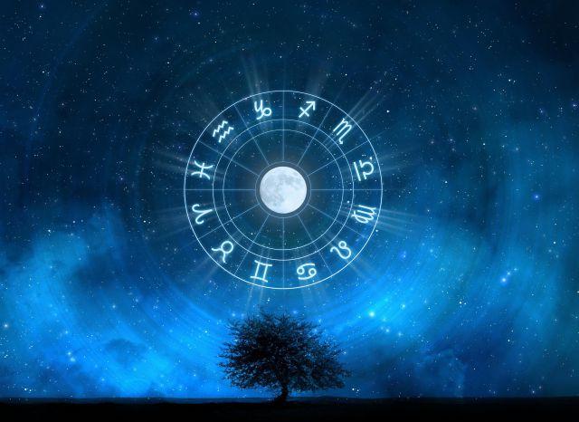 ¿Quieres saber qué te deparan los astros? aquí es el momento de saberlo.