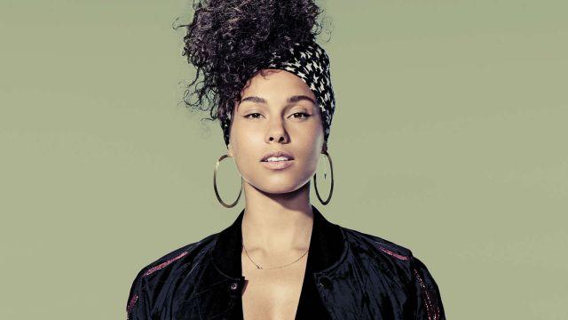 Alicia Keys presume sus estrías