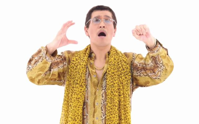Extracto de videoclip Pen Pineapple Apple Pen