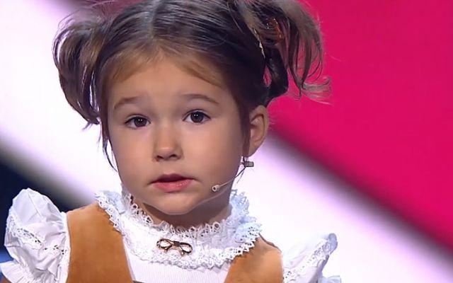 La niña de 4 años que habla 7 idiomas