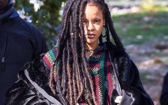 Rihanna causa polémica por fotografía