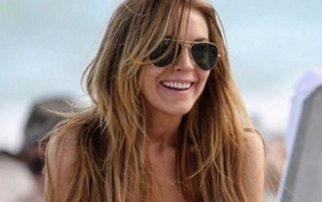 Lindsay lohan desnuda sin bragas photo 72