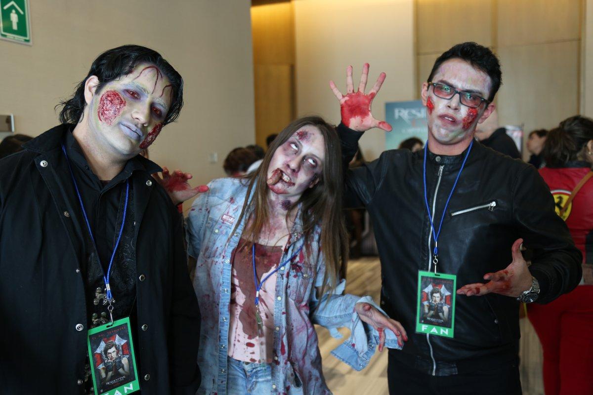 El videochat más zombie con Milla Jovovich