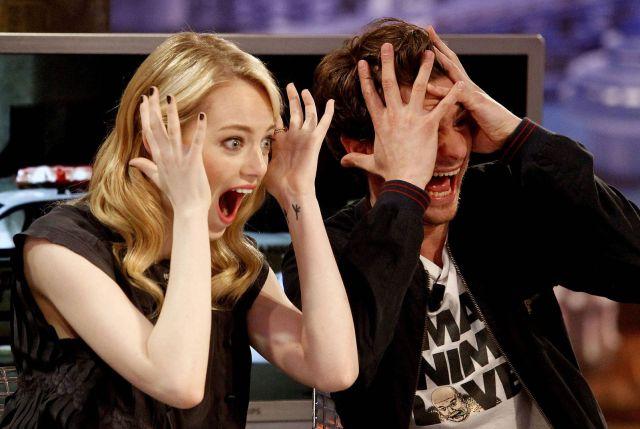 Así reaccionó Emma Stone ante el beso de Andrew Garfield y Ryan Reynolds