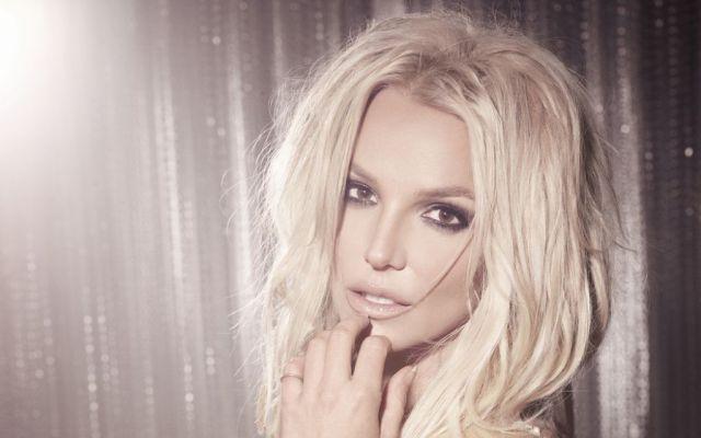 Se le sale una boob a Britney Spears
