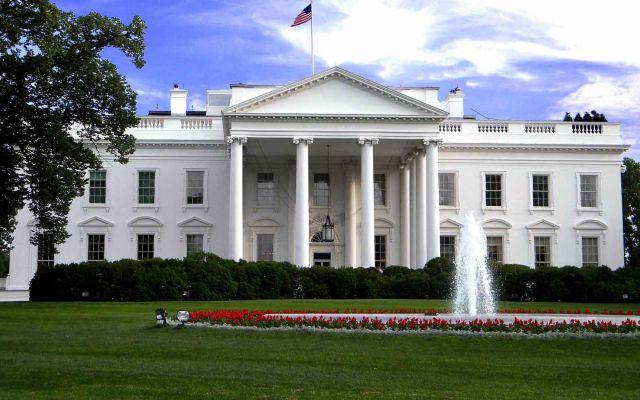 Casa Blanca lanza cuenta de Twitter en español
