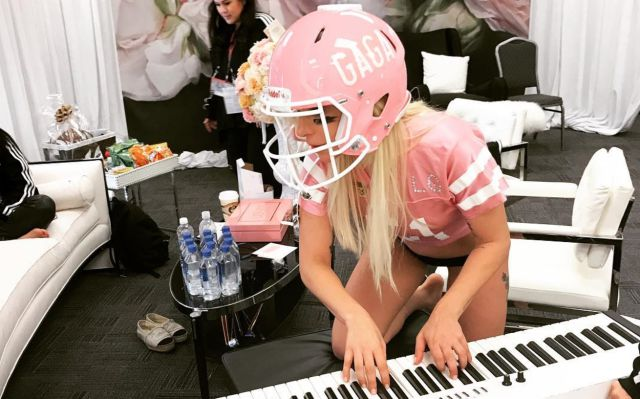 Primeras imágenes de Lady Gaga preparándose para el medio tiempo