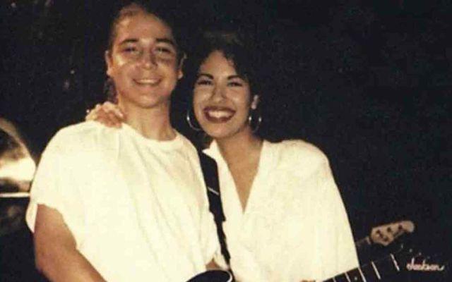La reacción del viudo de Selena Quintanilla tras ver por primera vez la película