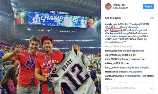 """Un mexicano se """"robó"""" el jersey de Brady"""