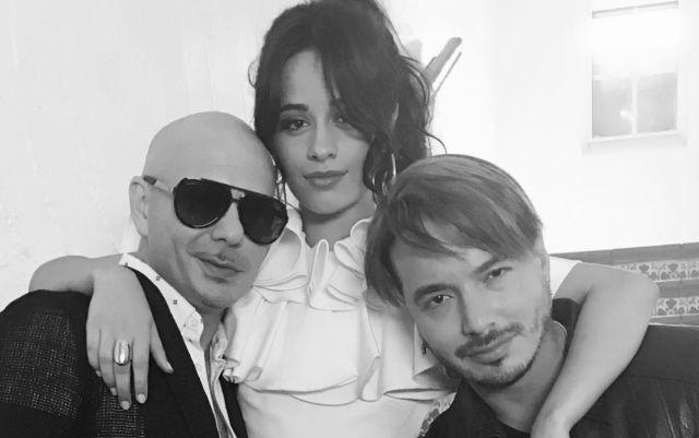 Camila Cabello saca sus raíces latinas en colaboración con J Balvin y Pitbull