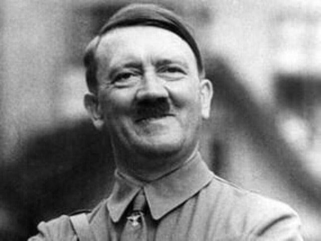 Venden teléfono personal de Hitler en $243,000 dólares