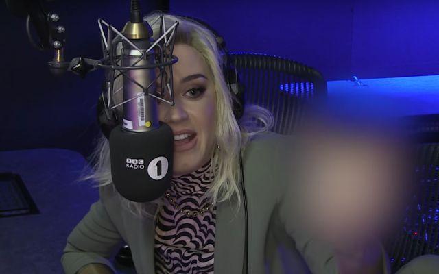 Katy Perry se arde del éxito de Ed Sheeran