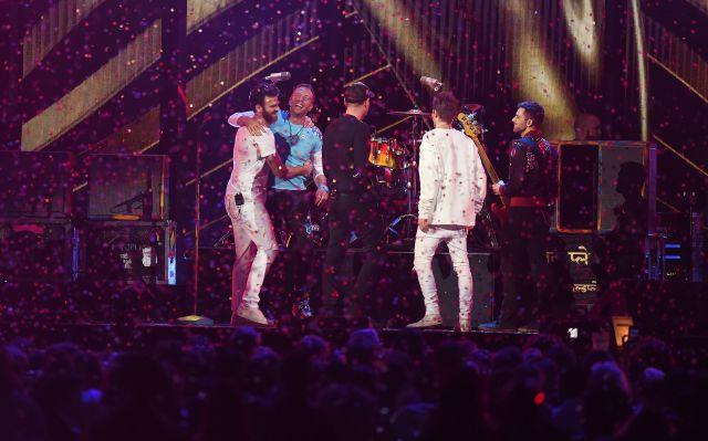 The Chainsmokers lanzan sencillo con Coldplay