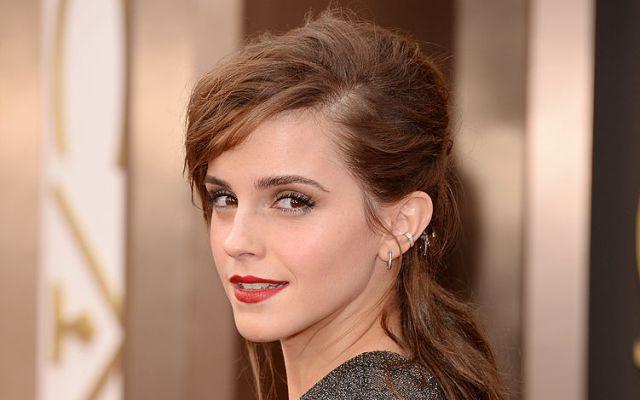 Emma Watson posa sin sostén