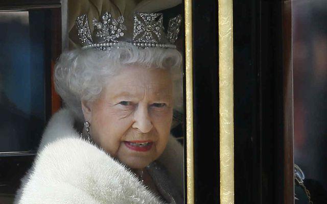 Un hombre afirma ser el legítimo rey de Inglaterra