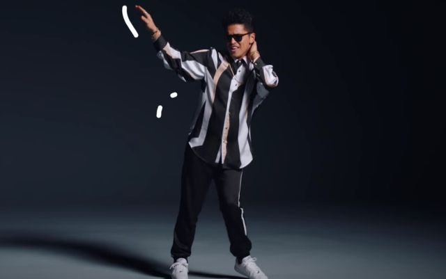 Bruno Mars estrena videoclip de