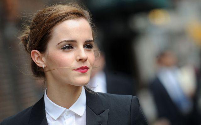 Critican a Emma Watson por fotos sin bra y ella responde así