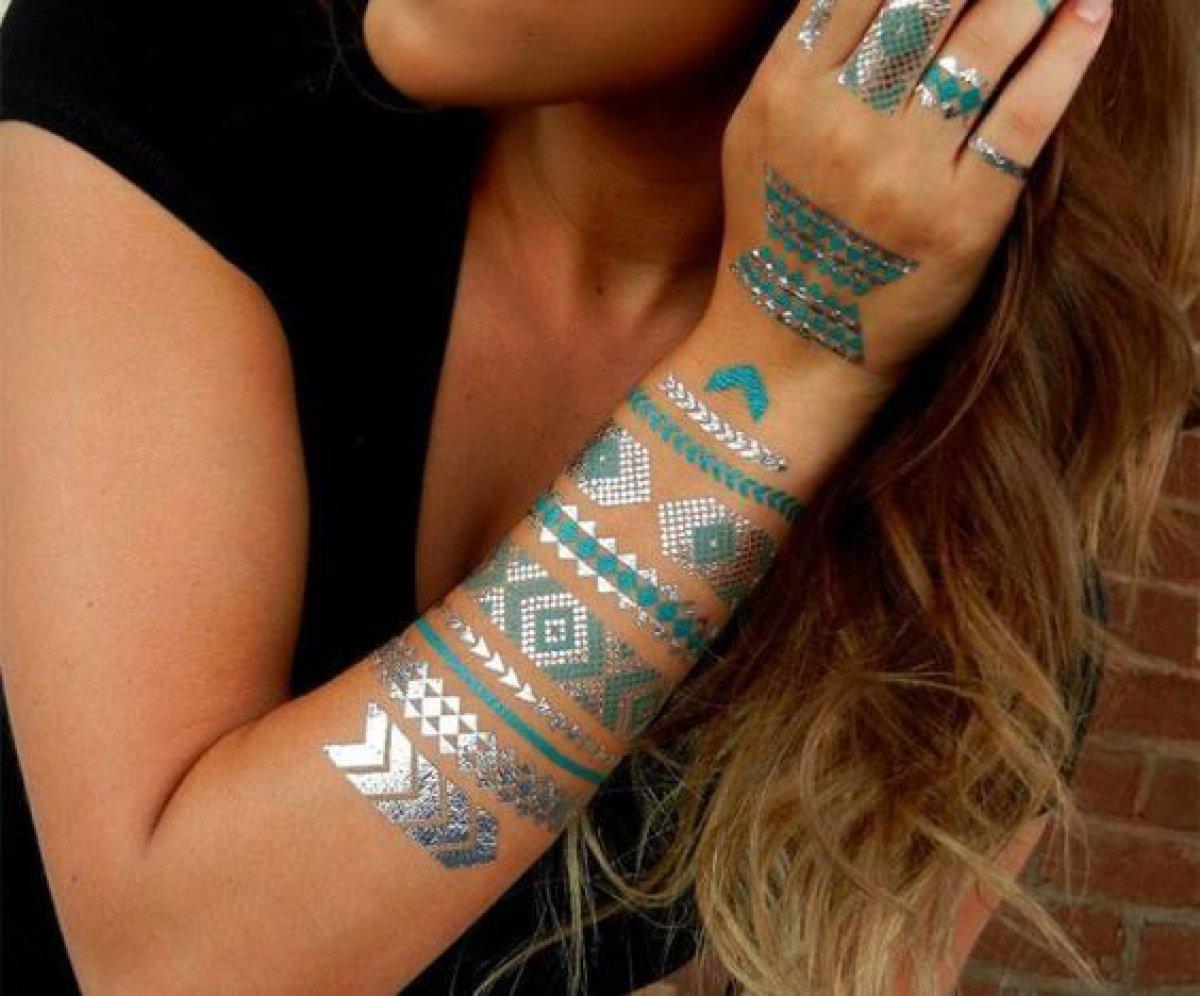 Lo más chic en tatuajes temporales