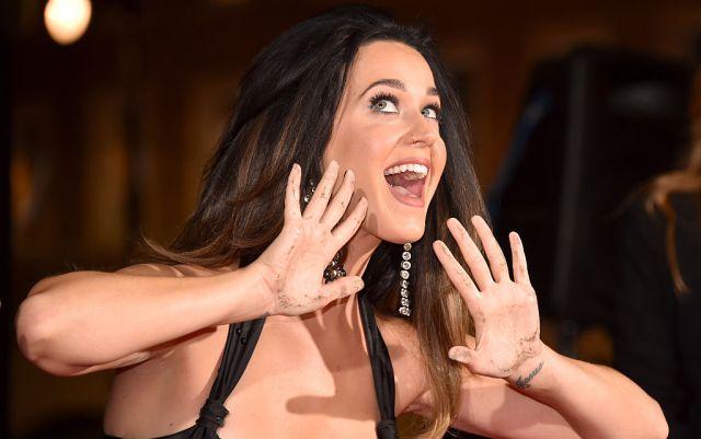 """""""Hice más que besar a una chica"""": Katy Perry"""