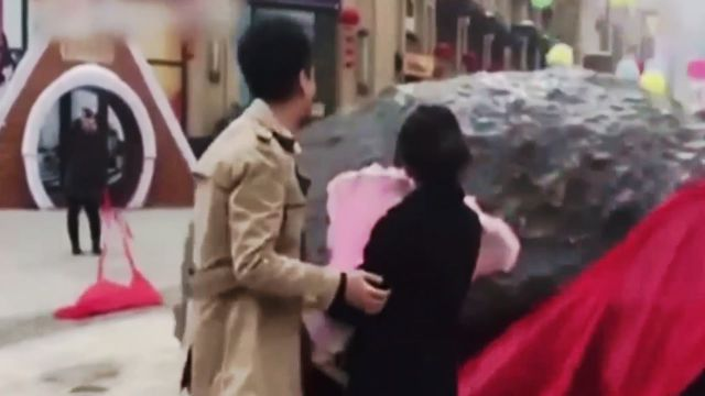 Un chino le propuso matrimonio a su novia con un meteorito de 33 toneladas