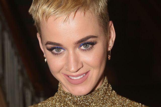 Katy Perry luce su espectacular cuerpo en México