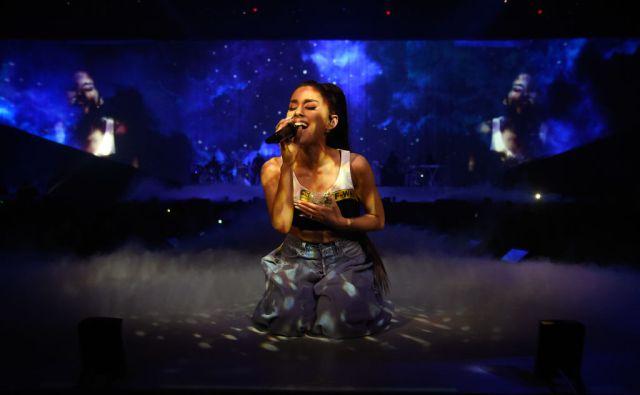 Estos artistas acompañarán a Ariana Grande en homenaje