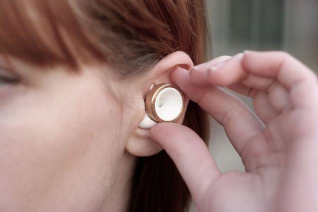 Ya puedes ajustar el volumen del ambiente en tus propios oídos