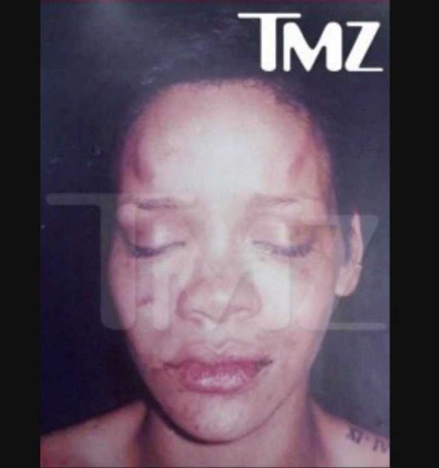 Rihanna fue golpeada por Chris Brown en 2009