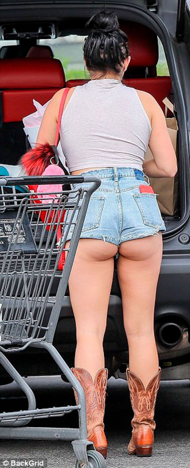 ariel winter shorts