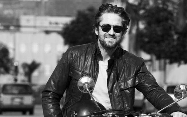 Un carro chocó con la motocicleta en la que se transportaba el actor