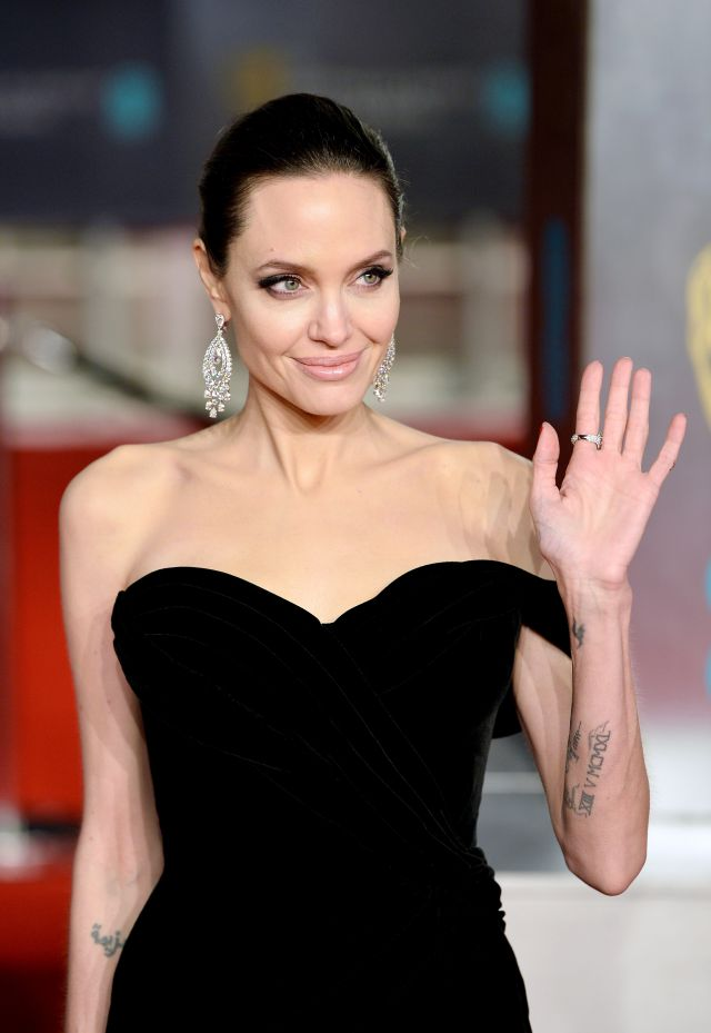 Angelina Jolie extrema delgadez