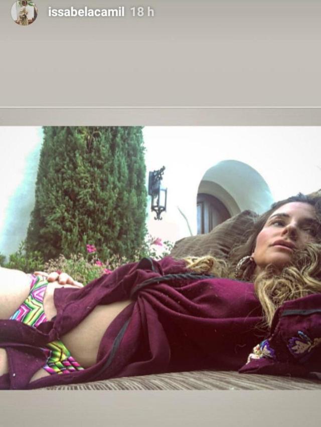 Issabela Camil comparte fotos sensuales