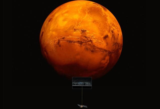 Descubren agua líquida en Marte