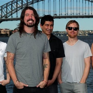 Foo Fighters interpreta canciones Queen y Pink Floyd en vivo