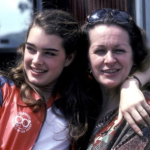 Fallece madre de Brooke Shields