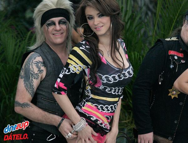 Moderatto in the house