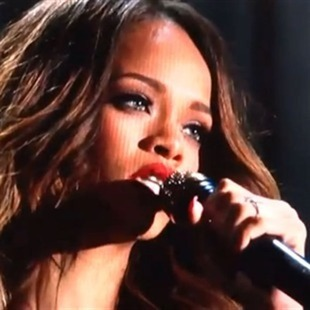 Rihanna podría estar prometida con Chris Brown