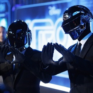 """Lose yourself to dance"" de Daft Punk"