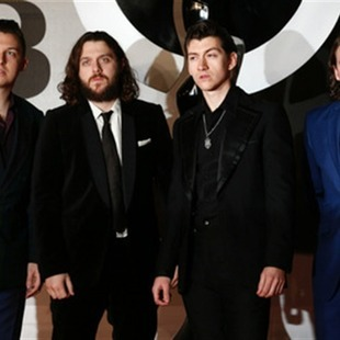El rock de Arctic Monkeys triunfa en BRIT Awards