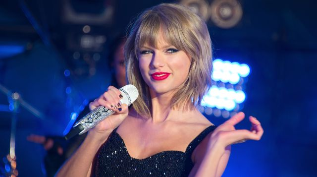 Taylor Swift rie de los 'hackers'