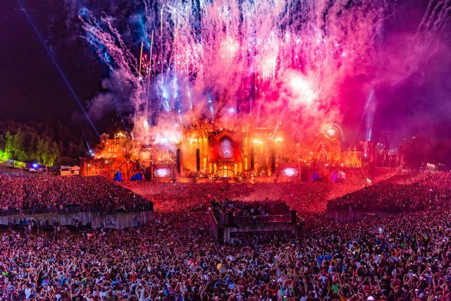 ¡Disfruta Tomorrowland en vivo!