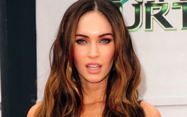 Chino paga por intimidad con Megan Fox