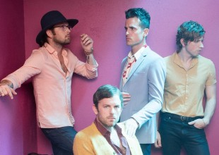 Kings of Leon regresan con nuevo disco